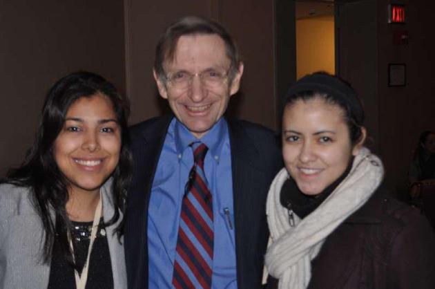 Bill Drayton (CEO y Fundador de #Ashoka) acompañados de Lorena Luna y Andrea Cornejo (Integrantes del equipo de EmprendeSocial)